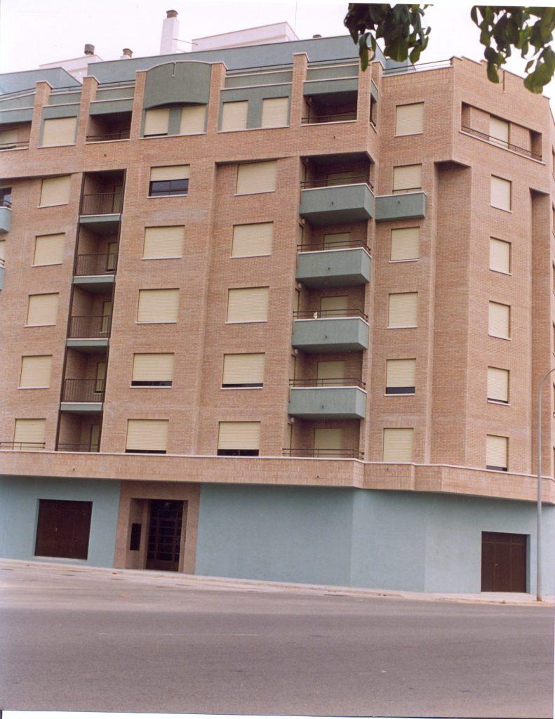 Edificio de 26 viviendas y locales comerciales en Burriana (Castellón)